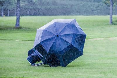 今月のテーマは雨の日のラウンドです。